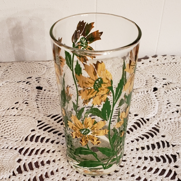 Beautiful Vintage Heavy Gold Floral Drinking Glass